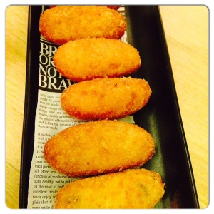 ORIBU GASTROBAR croquetas de jamón fritas en pan japonés
