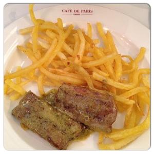 CAFE DE PARIS Entrecot con patatas
