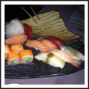 FUKU Sushi variado