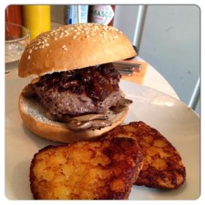 CARMENCITA BAR hamburguesa