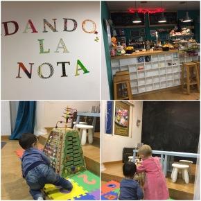 Cafetería con zona de juegos para niños … Dando lanota!!